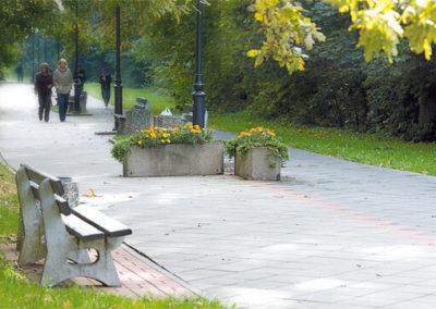 plyta-chodnikowa-35x35-producent-Superbruk-przykladowa-realizacja-park