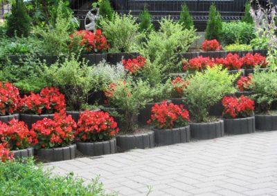 Gazon-betonowy-ogrod-kwiaty-producent-ABW-superbruk-bialystok-realizacja-02