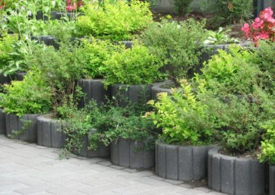 Gazon-betonowy-ogrod-kwiaty-producent-ABW-superbruk-bialystok-realizacja-05