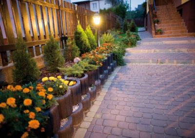 Gazon-betonowy-ogrod-kwiaty-producent-ABW-superbruk-bialystok-realizacja-07