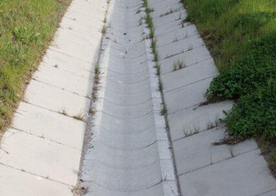 Korytka-polokragle-betonowe-odplyw-producent-ABW-superbruk-bialystok-realizacja-02