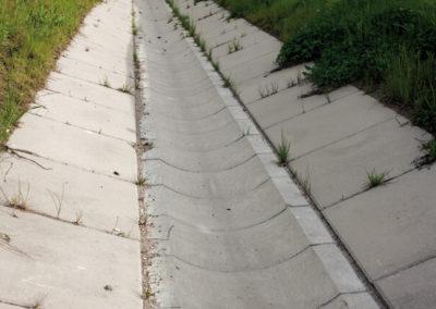 Korytka-polokragle-betonowe-odplyw-producent-ABW-superbruk-bialystok-realizacja-03