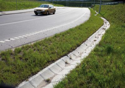 Korytka-polokragle-betonowe-odplyw-producent-ABW-superbruk-bialystok-realizacja-04