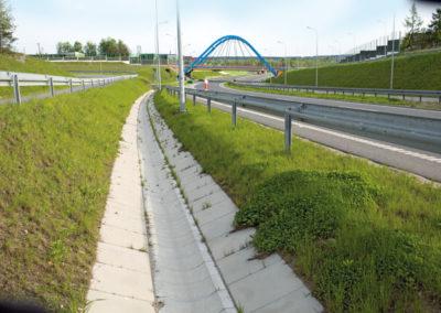 Korytka-polokragle-betonowe-odplyw-producent-ABW-superbruk-bialystok-realizacja-05