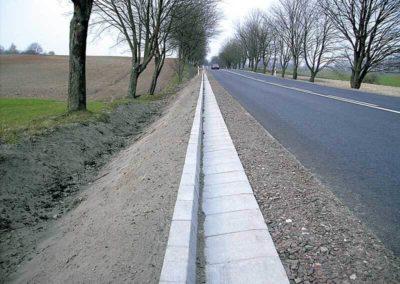Korytka-trojkatne-betonowe-odplyw-producent-ABW-superbruk-bialystok-realizacja-01