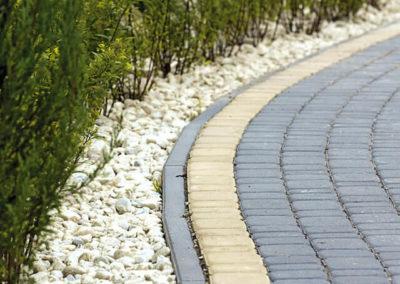 Obrzeza-lukowe-betonowe-chodnik-producent-ABW-superbruk-bialystok-realizacja-04
