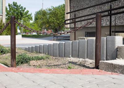 Palisada-trapezowa-betonowa-producent-ABW-superbruk-bialystok-realizacja-06