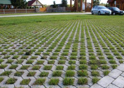 Plytka-chodnikowa-azurowa-EKO-beton-producent-ABW-superbruk-bialystok-realizacja-04-parking