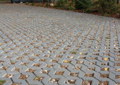 Plytka-chodnikowa-azurowa-EKO-beton-producent-ABW-superbruk-bialystok-realizacja-06-parking