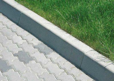 kraweznik-prosty-betonowy-lekki-producent-ABW-superbruk-bialystok-realizacja-01