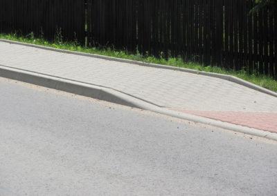 kraweznik-skosny-betonowy-ciezki-producent-ABW-superbruk-bialystok-realizacja-02